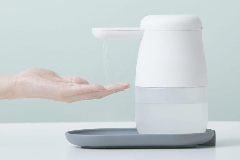 センサー式の自動手指消毒器